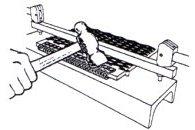5.-Zaklepneme-zadní-část-spoje-do-pásu-pozor-na-narušení-přední-části-spoje-kde-bude-prostrčen-spojovací-drát